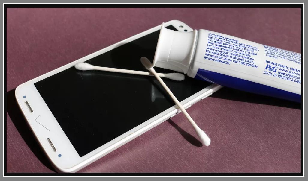 تصيلح شاشة الموبايل التاتش بمعجون الأسنان