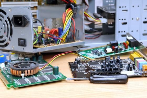 صيانة الكمبيوتر هارد وير